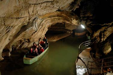 35.relief-hauteB-portes-Ardenne-grottes-Remouchamps