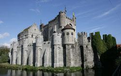moyen-age-architecture-militaire-chateau-des-comtes-gent