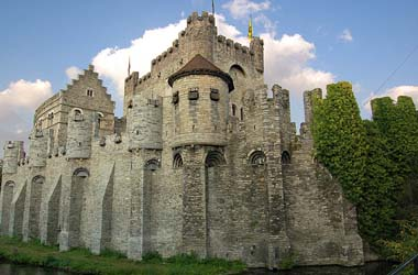 36.moyen-age-chateau-comtes-gent