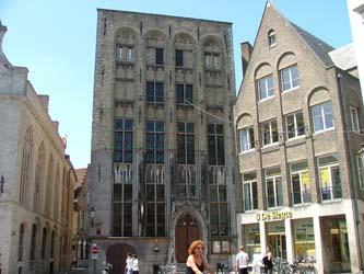 5.ducs-bourgogne-centre-historique-bruges-maison-van-der-beurs