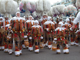 carnaval-binche-gilles