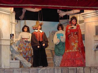 personnalites-folklore-bruxellois-theatre-marionettes-Toone