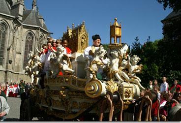 processions-car-dor-mons